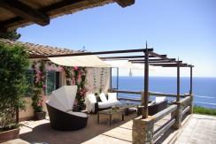 Villa con piscina, stupenda vista mare, in una delle più belle baie dell'Argentario. 12/13 posti letto