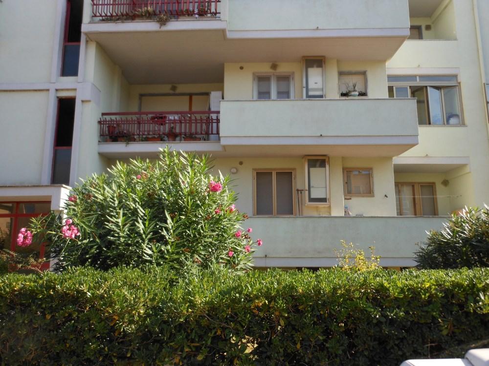 Orbetello comodo appartamento al piano rialzato agenzia immobiliare capitan cook porto - Agenzia immobiliare orbetello ...