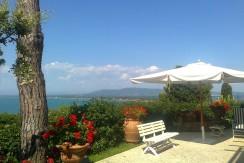 Elegante villa panoramica a due passi dal mare