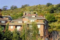 Vendita appartamento con terrazzo e posto auto, Porto Ercole, in condominio di vacanze