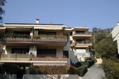 Porto Ercole – Appartamento con terrazzo e corte abitabili. Garage