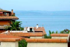 Vendita luminosissimo attico a pochi metri dal mare, con ampio terrazzo