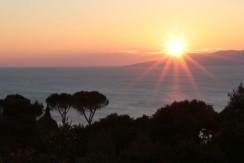 Porzione di villa di campagna con una vista mozzafiato sulle isole e discesa a mare a piedi. Porto S. Stefano Argentario. 8 ospiti