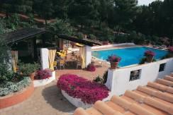 Prestigiosa dimora con piscina vista mare sulla collina di Porto Ercole. Piscina. 14/16 ospiti