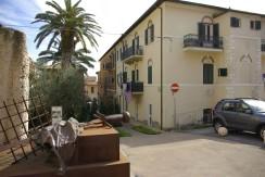 Vendita. Appartamento in palazzina d'epoca, adiacente al porto di Porto Ercole