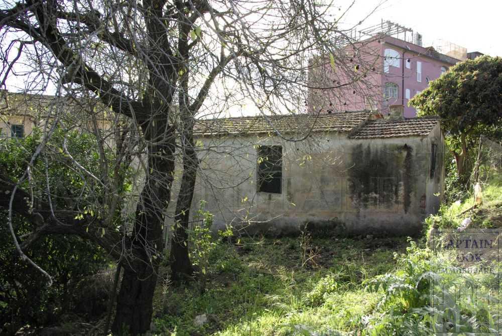 Vendita casale rustico in pietra con giardino da - Ristrutturare casale in pietra ...