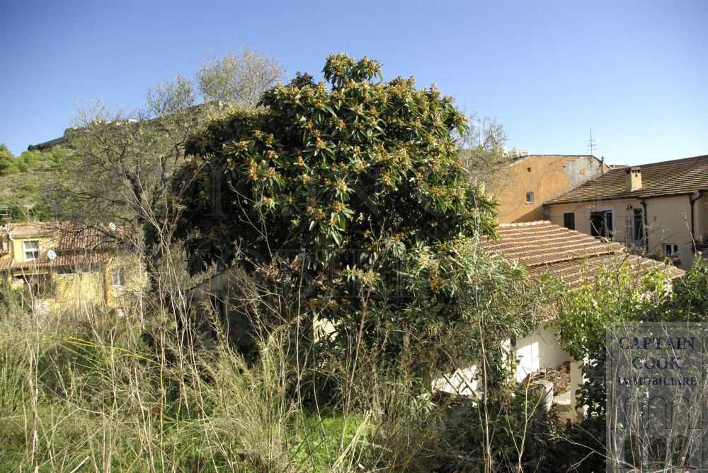 Vendita casale rustico in pietra con giardino da - Giardino rustico ...