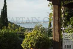Incantevole villa casale in stile provenzale in collina con parco e panorama. Vicino a Cala Galera e alla spiaggia della Feniglia. Porto Ercole