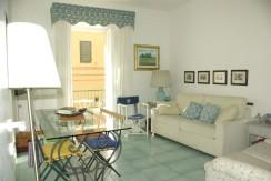 Caratteristico appartamento a pochi passi dal porto, ampia metratura completamente ristrutturato. Porto Ercole