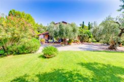 Vendita villa casale in stile provenzale in collina con parco e panorama. Porto Ercole