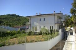 Vendita 2 appartamenti di nuova costruzione in quadrifamiliare, Porto Ercole, con giardino, terrazzi e garage. Classe A.