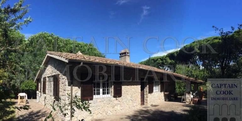 villa in pietra in Feniglia 2