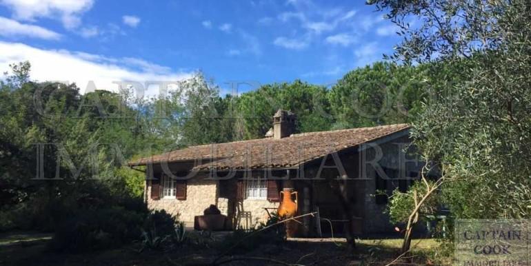 villa in pietra in Feniglia 3