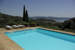 Elegante villa con piscina, vista mare, giardino, Porto Ercole. Affitto per 8 persone