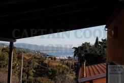 Vendita porzione centrale di casale con garege Porto Ercole