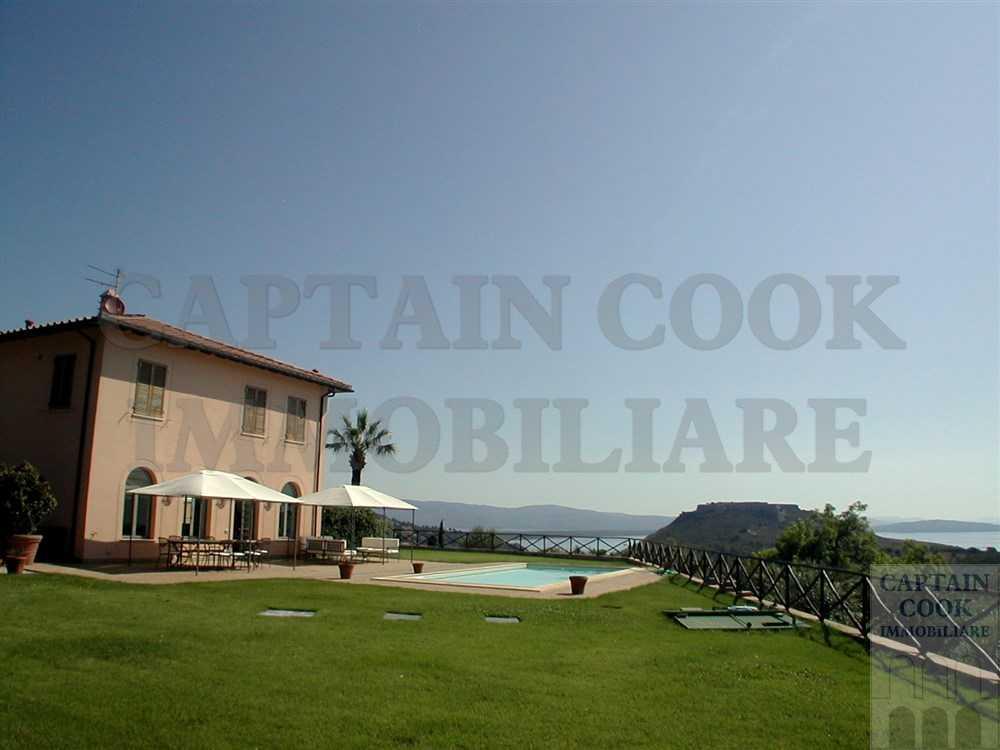 Elegante villa con piscina, vista mare. Porto Ercole – Argentario. 9/10 ospiti