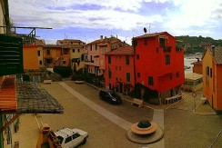 Vendita appartamento con scorcio di vista sul mare e sul porto a Porto Ercole, indipendente