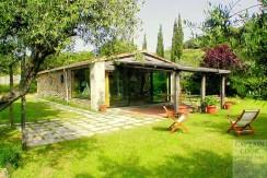 Vendita deliziosa villa rustica con parco vicino la spiaggia della Feniglia. Porto Ercole Argentario