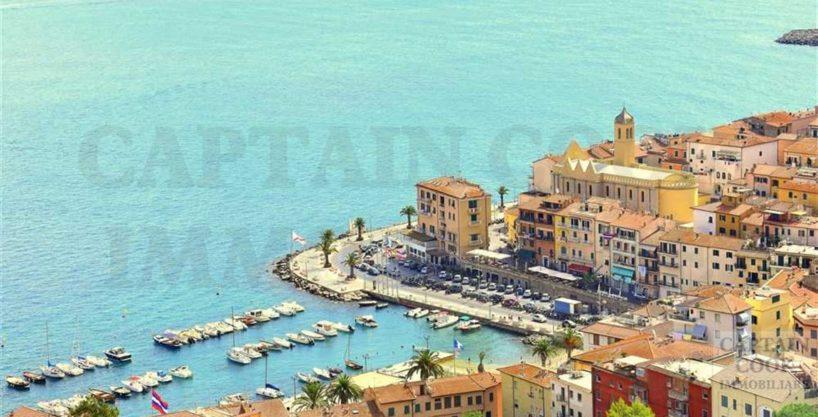 Vendita appartamento stupenda vista mare, ampi terrazzi, ampia metratura, posti auto. Porto S. Stefano