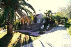 Vendita villa con vista laguna con giardino e posti auto. Porto Ercole. Orbetello. Argentario