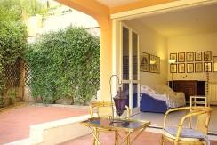 Vendita appartamento con 2 terrazze vivibili, posto auto coperto, cantina. Porto Ercole