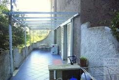 Vendita appartamento bilocale con ampio terrazzo e posto auto. Porto Ercole