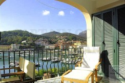 Vendita appartamento con stupenda vista mare, terrazzo, nel porto di Porto Ercole.