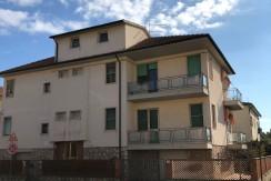 Vendita palazzina o appartamento con garage, magazzini e terrazza in Orbetello