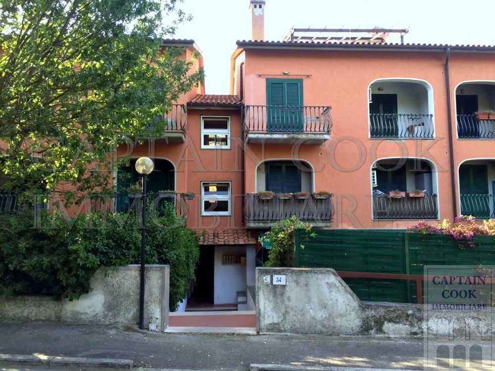 Vendita appartamento con terrazzo e garage. Porto Ercole
