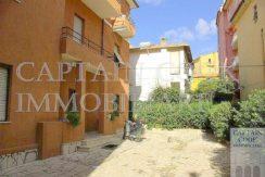 Vendita appartamento con posto auto, vicino al lungomare, da ristrutturare a Porto Ercole