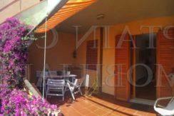 Vendita appartamento con terrazzi, giardino e posto auto. Porto Ercole