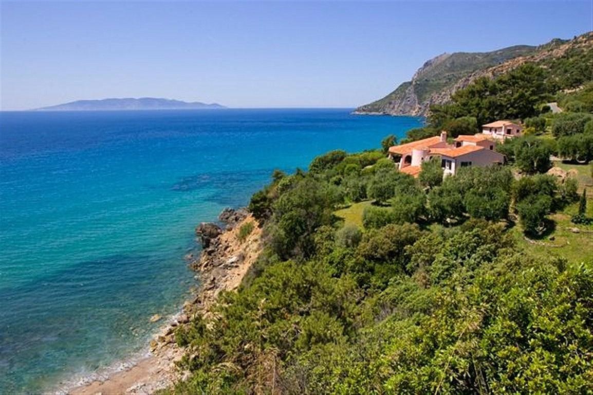 """Affitto estivo """"villa Sairroc"""", con spiaggia privata, stupenda vista mare, 12 persone. Porto S. Stefano"""