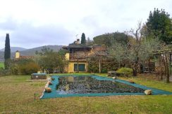 Vendita villa con piscina e giardino nella campagna di Capalbio Maremma