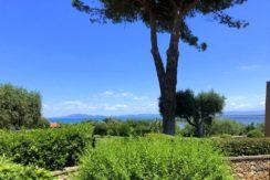 Vendita appartamento con vista mare, piscina, terrazzi, giardini e posti auto a Porto Ercole, Argentari