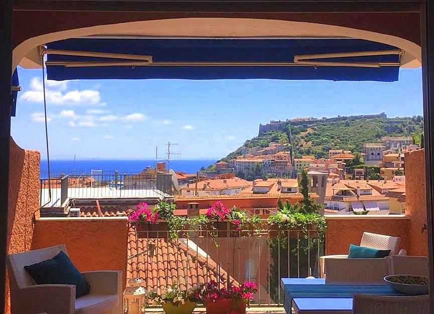 Affitto elegante appartamento vista mare, terrazzo coperto, 2 posti auto. 8 persone Porto Ercole Argentario