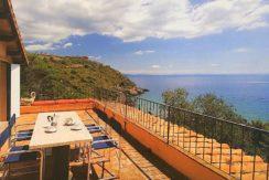 Vendita appartamento con discesa a mare, terrazzi, posti auto a Porto Ercole-Argentario