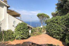 Vendita appartamento vista mare, ampio terrazzo, giardino. Porto S. Stefano. Argentario