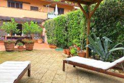 Vendita appartamento con ampio terrazzo vivibile a Porto Ercole, in residence vicino al mare