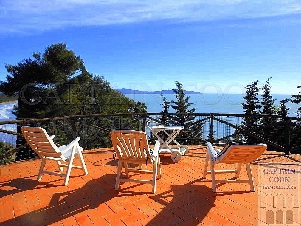 Vendita villa indipendente con splendida vista mare, sulla spiaggia della Feniglia, Porto Ercole Argentario
