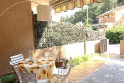 Vendita appartamento con ampio terrazzo, posto auto. Porto Ercole