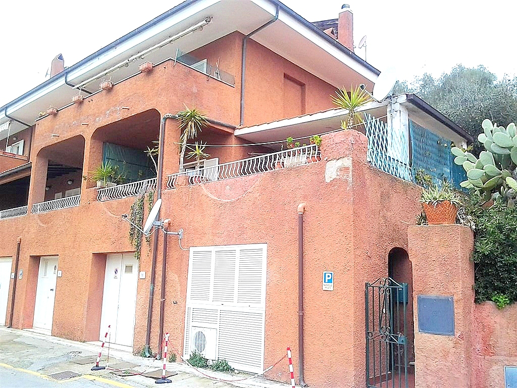 Vendita appartamento bilocale, al centro del paese. Porto Ercole