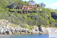 Vendita villa con spiaggia privata con stupenda vista mare a Porto Ercole Argentario