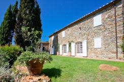 Vendita villa in pietra con piscina, vista mare, parco a Porto Ercole