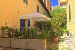 Vendita appartamento bilocale con terrazzi e posto auto a Porto Ercole