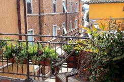 Vendita appartamento con terrazzo, scorcio laguna, sul corso in centro storico a Orbetello