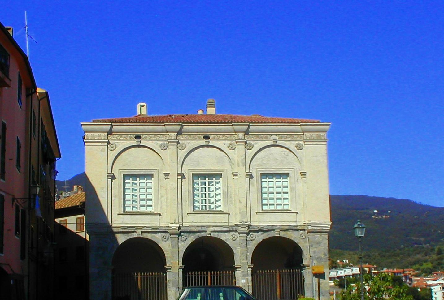 Vendita ufficio trasformabile in appartamento a Porto Ercole