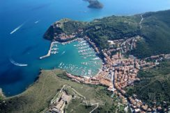 Vendita attico con vista mare e terrazza a Porto Ercole