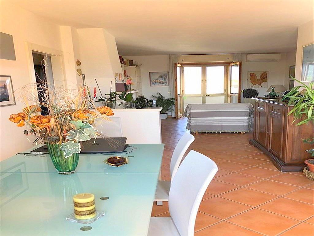 Vendita appartamento con 2 terrazzi garage e 2 posti auto ristrutturato a orbetelloagenzia - Agenzia immobiliare orbetello ...