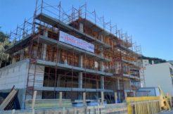 Vendita fabbricato in costruzione con vista mare e terreno, zona artigianale.