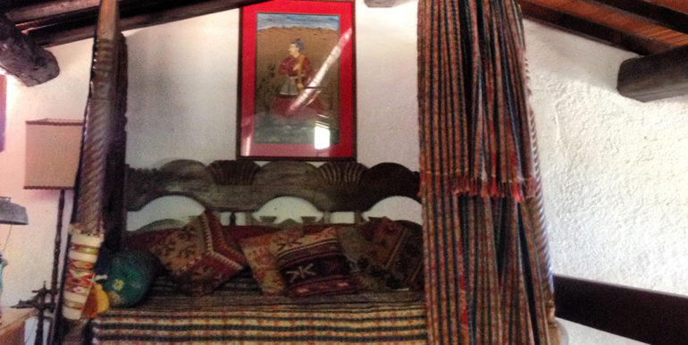 12. Mezzanine extra bed
